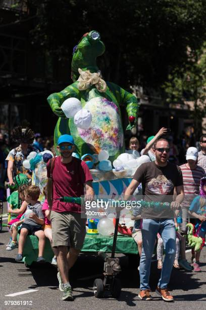 solstice parade - fremont solstice parade stock pictures, royalty-free photos & images