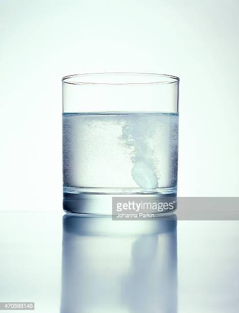 Soluble Asprin / Disprin dissolving in water