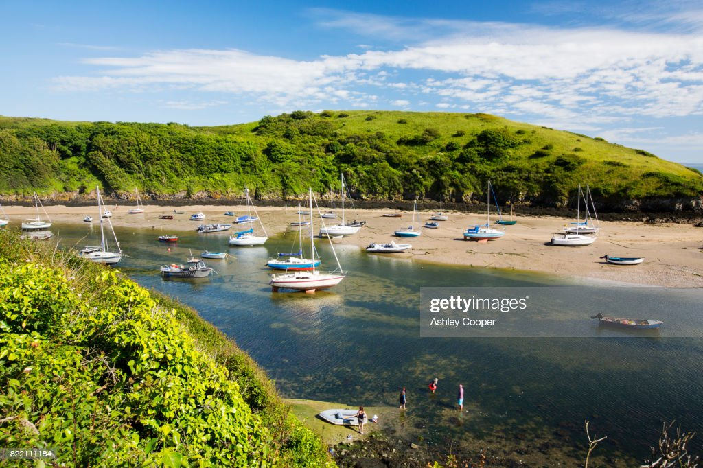 Solva Harbour, Pembrokeshire, UK. : Stock Photo