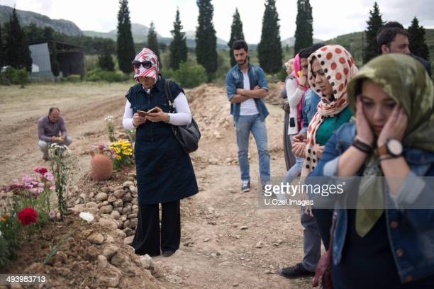 soma mine disaster, turkey - mining accident stock pictures, royalty-free photos & images