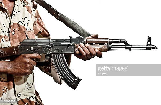 somalian soldier with a machine gun - guerrilla warfare stock pictures, royalty-free photos & images