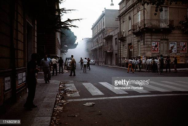 Some demonstrators on the streets of Reggio Calabria; due to decision taken by the regional capital. Reggio Calabria , September 1970..