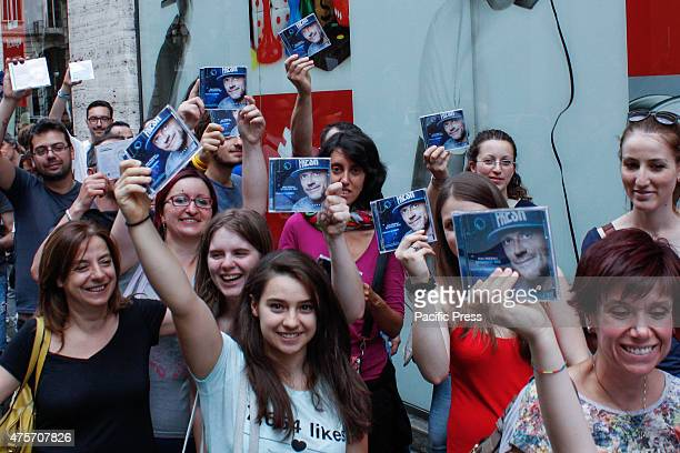 Some fans of the show Max Pezzali latest album titled 'Spaceship Max' The Italian singer Max Pezzali former leader of the group 883 signed of copies...