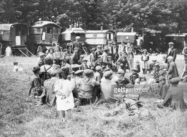 Some Gypsies Organizing A Boxing Contest For The Boys In Epsom England On June 1 1937