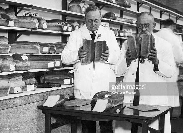 Some Judges Smelling The Bread On A Baker Contest In London On Februeary 27 1934