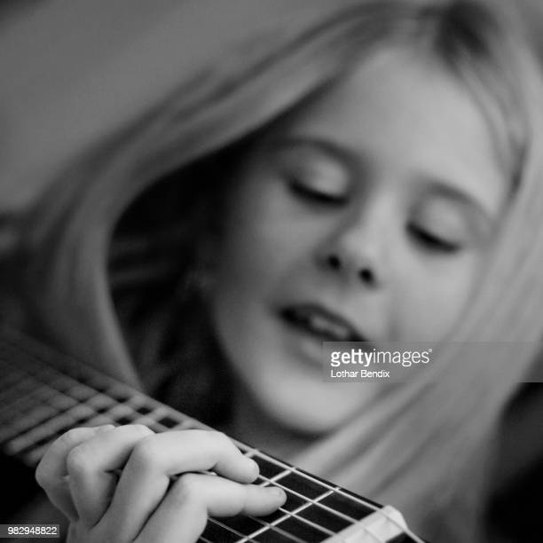 some musik - musik stock pictures, royalty-free photos & images
