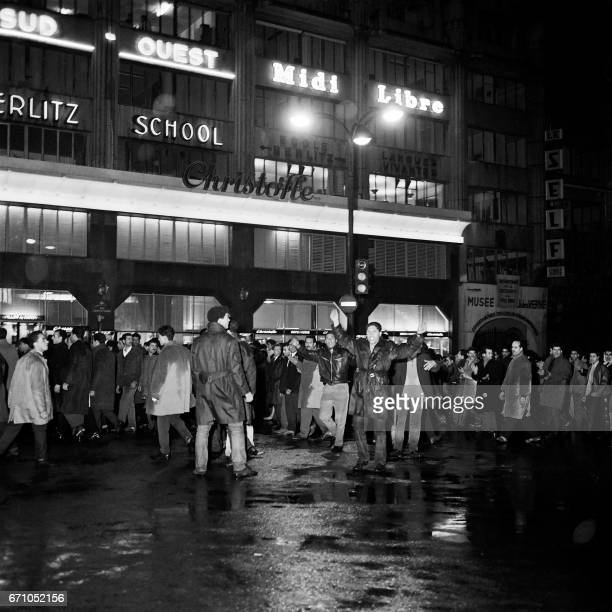 Some of between 20000 and 30000 proFront de Liberation Nationale Algerians stage a demonstration on October 17 1961 in Paris Later French police...