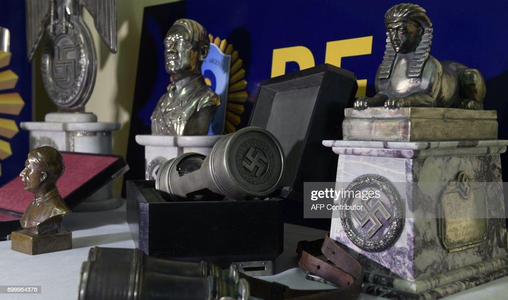 ARGENTINA-NAZI-ARTIFACTS-SEIZURE : News Photo