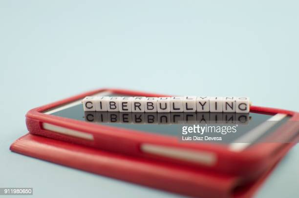 Some people are using their mobile phones for making ciberbullying