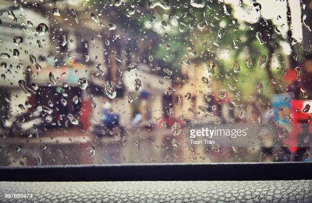 some people feel the rain. others just get wet - category:cs1_maint:_others stock pictures, royalty-free photos & images