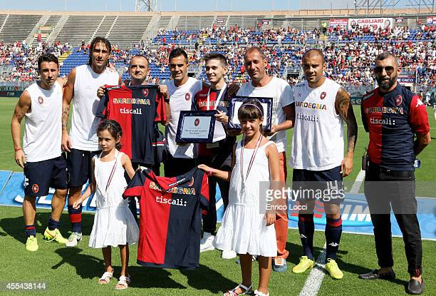 Some players of Cagliari with the supporters during the Serie A match between Cagliari Calcio and Atalanta BC at Stadio Sant'Elia on September 14...