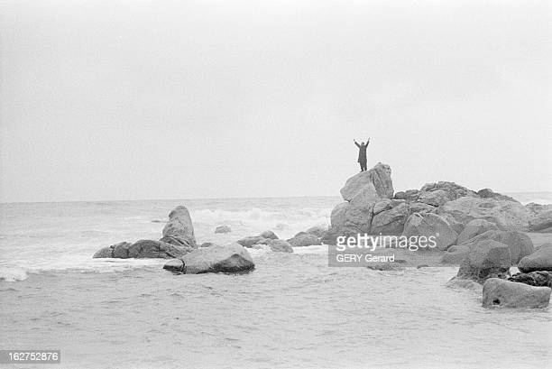 Some Political Refugees Exiled In Corsica For The Coming Of Khrushchev In France En Corse le 10 mars 1960 des réfugiés politique assignés en...