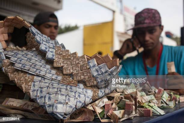 Some Venezuelans find a way to use the devalued money what now is just a piece of paper Like Richard Segovia who arrived from Caracas to Cúcuta at...