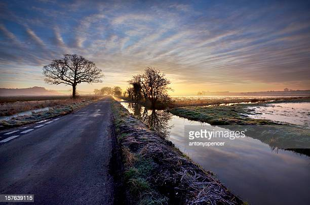 somerset levels - glastonbury england stock pictures, royalty-free photos & images