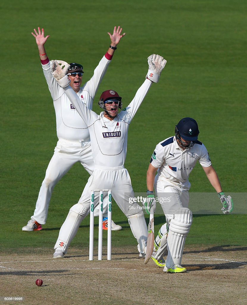 Yorkshire v Somerset - Specsavers County Championship - Division One