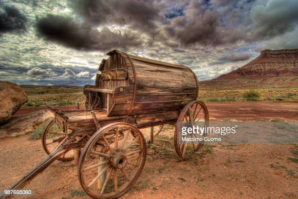 something, somewhere in arizona. - cuomo stock pictures, royalty-free photos & images