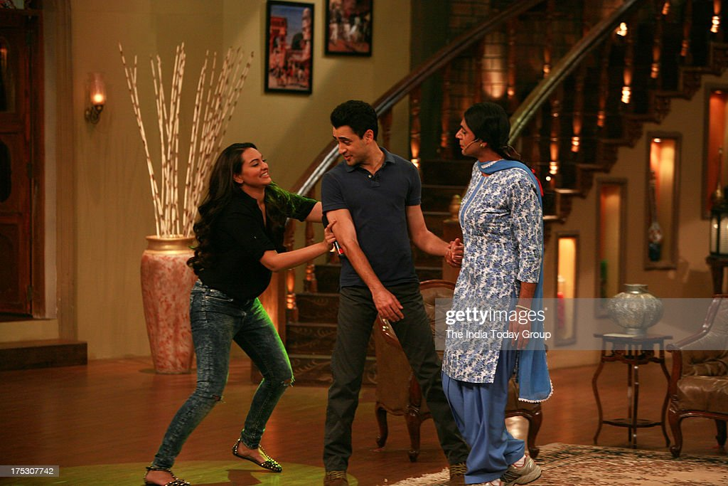 AUGUST 01 Sonakshi Sinha and Imran Khan on the sets of Comedy Nights with Kapil for the promotion of Once Upon a Time in Mumbaai 2 on 1st August 2013.