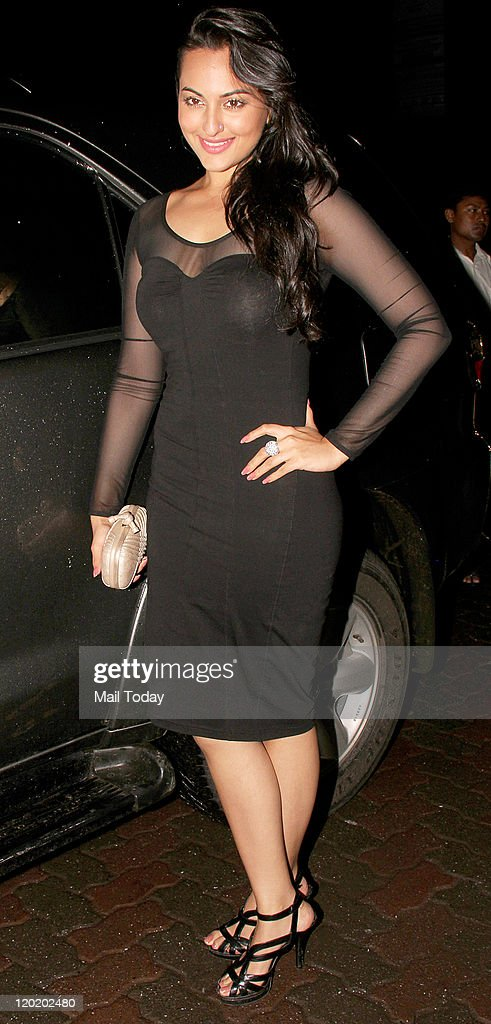 Sonakshi Sinha arrives during the birthday bash of Arpita Khan at Aurus in Mumbai on July 29 2011