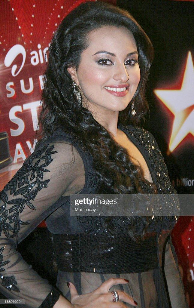 Sonakshi Sinha at Airtel Star Super Star Awards at Yashraj Studio on Tuesday 15th November 2011