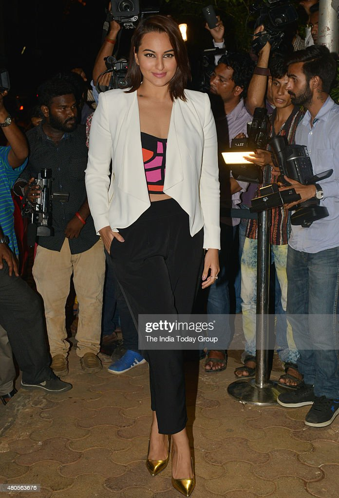 Sonakshi Sinha at the success bash hosted by Varun Dhawan and Shraddha Kapoor for their movie ABCD 2 in Mumbai