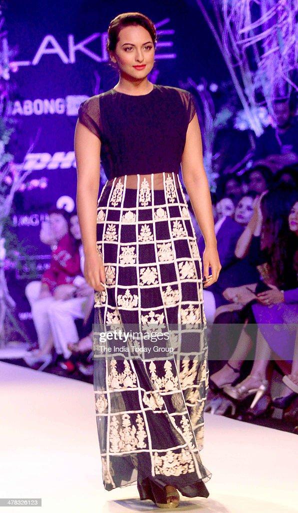 Sonakshi Sinha walks the ramp for designer Manish Malhotra during the Lakme Fashion Week 2014 in Mumbai
