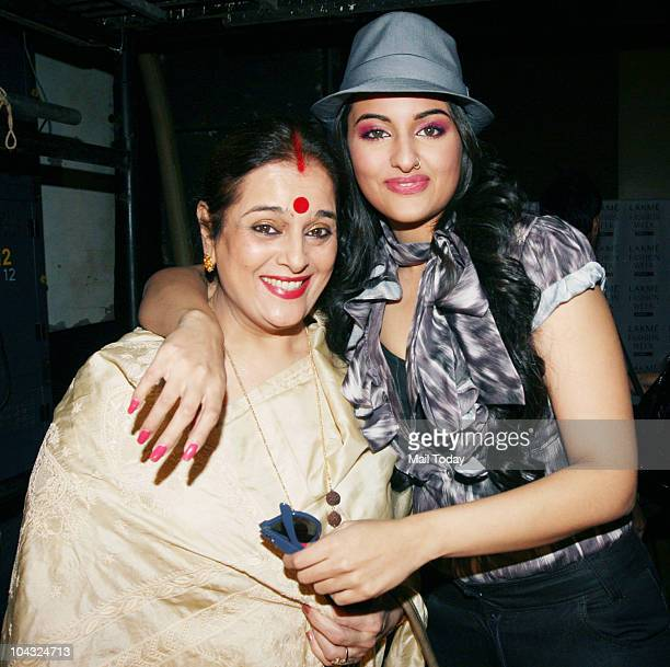 Sonakshi Sinha with mother Poonam at designer Narender Kumar's show on the fourth day of Lakme Fashion Week in Mumbai on September 20 2010
