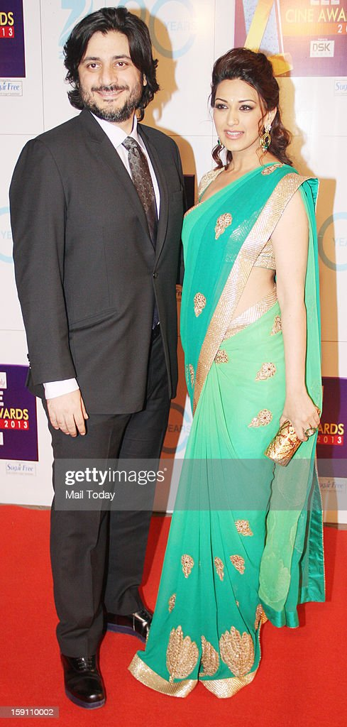 Sonali Bendre with husband Golodie Behl at the Zee Cine Awards 2013, held in Mumbai on January 6, 2013.