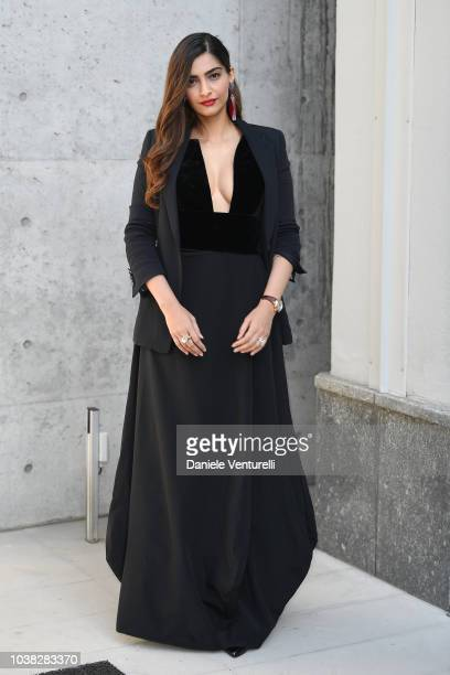 Sonam Kapoor arrives the Giorgio Armani show during Milan Fashion Week Spring/Summer 2019 on September 23 2018 in Milan Italy