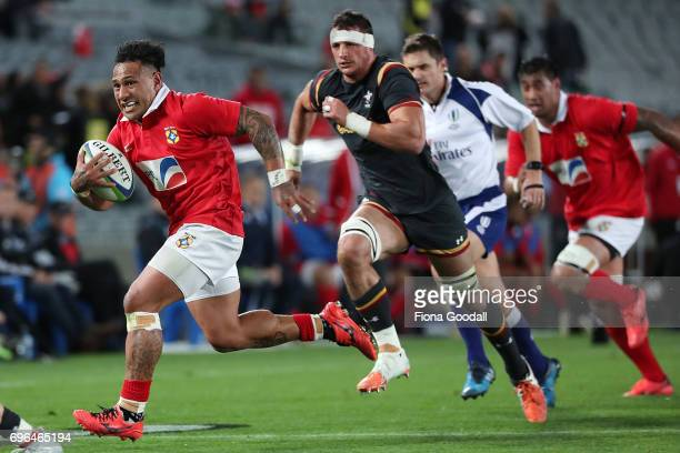 Sonatane Tukulua of Tonga makes a break from the scrum during the International Test Match between Tonga and Wales at Eden Park on June 16 2017 in...