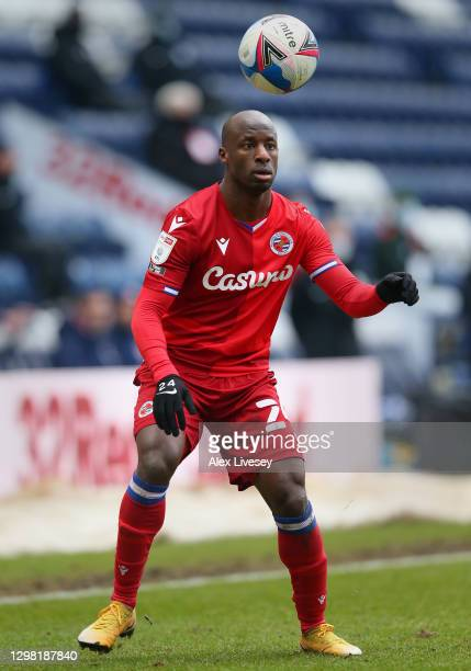 Sone Aluko of Reading controls the ball during the Sky Bet Championship match between Preston North End and Reading at Deepdale on January 24, 2021...