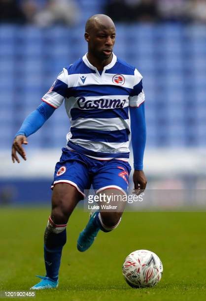 Sone Aluko of Reading FC runs with the ball during the FA Cup Fourth Round match between Reading FC and Cardiff City at Madejski Stadium on January...