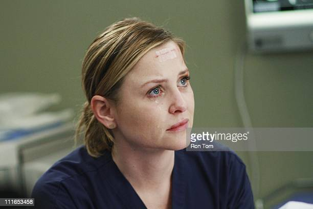 S ANATOMY Song Beneath the Song In a series first the music that has been at the heart of the show and been beloved by fans comes to life for Grey's...