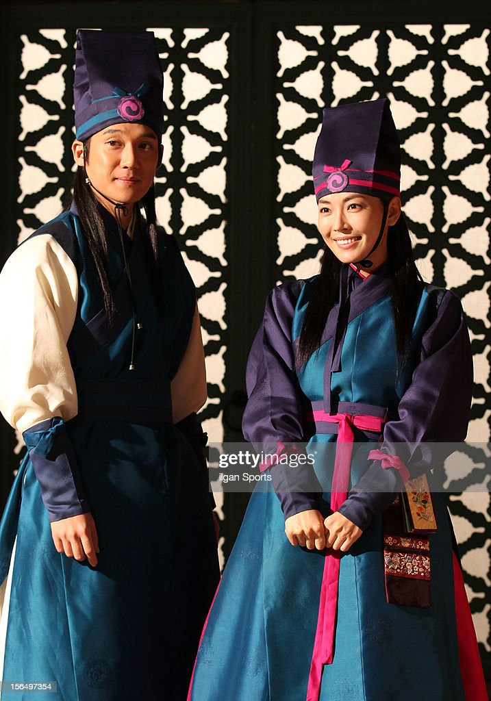 Song Chang-Eui and Kim So-Yeon attend the SBS Drama 'The Great Seer' Press Conference at SBS Ilsan Production Center on November 16, 2012 in Goyang, South Korea.
