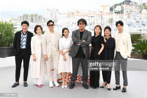 Song KangHo Chang HyaeJin Lee SunGyun Cho YeoJeong Bong JoonHo Park SoDam Lee JungEun and Choi WooShik attend the photocall for Parasite during the...