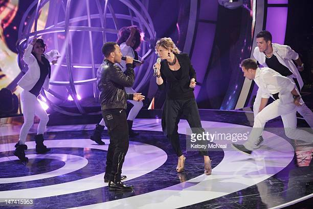 DUETS Songs from the 2000's It was the first LIVE show and Superstars Kelly Clarkson John Legend Jennifer Nettles and Robin Thicke took the stage...