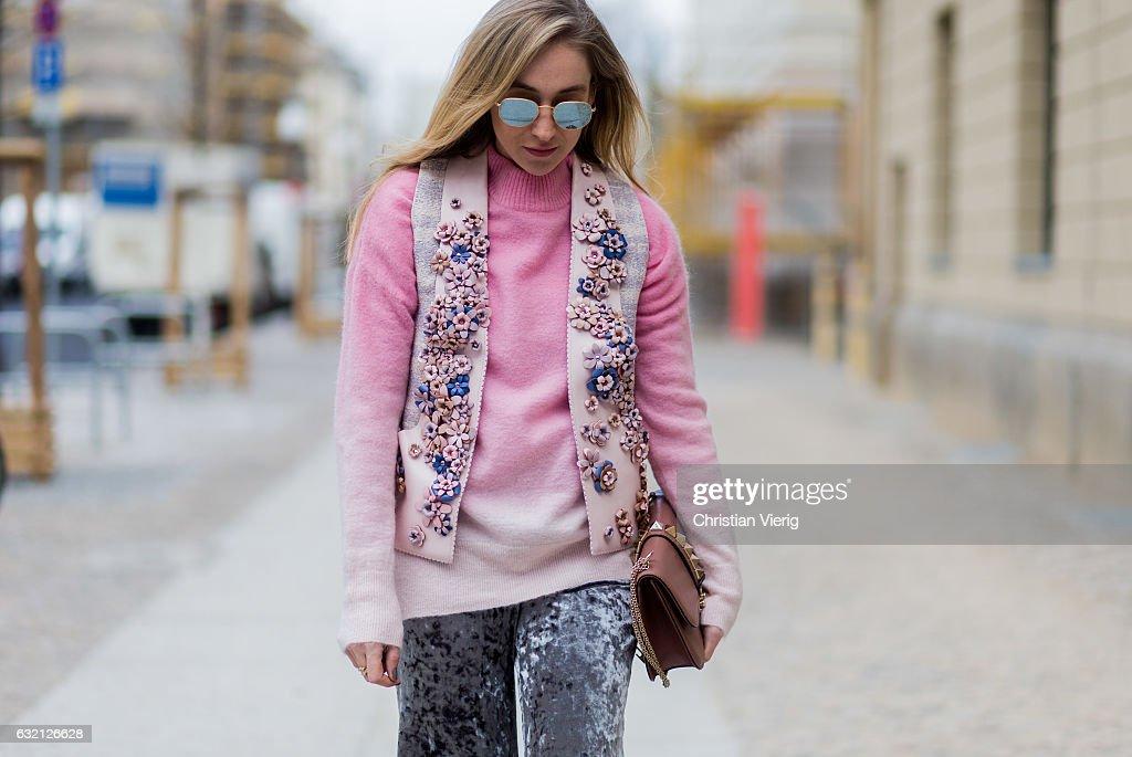 Street Style Day 3 - Mercedes-Benz Fashion Week Berlin A/W 2017 : News Photo
