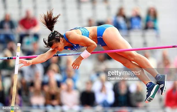 Sonia Malavisi of Italy in action during qualifying for the womens pole vault on day two of The 23rd European Athletics Championships at Olympic...