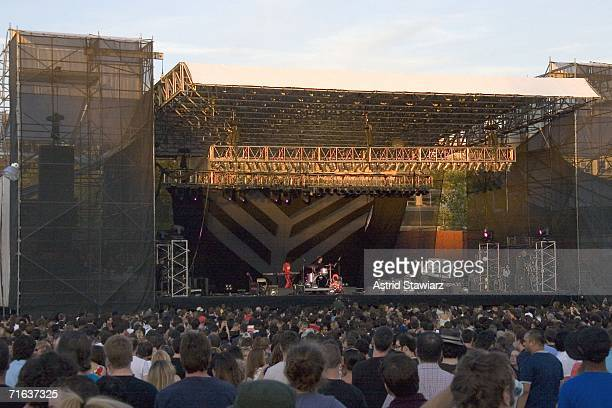 Sonic Youth and Yeah Yeah Yeahs perform at McCarren Pool Park on August 12 2006 in New York City