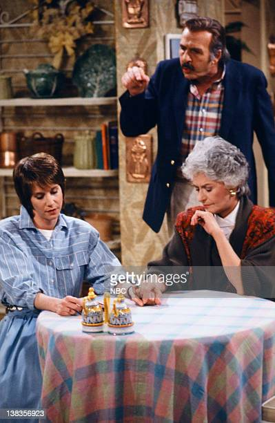 "Son-in-Law Dearest"" Episode 23 -- Pictured: Deena Freeman as Kate, Herb Edelman as Stan Zbornak, Bea Arthur as Dorothy Petrillo Zbornak"