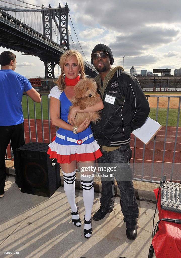 2010 City Of The Brave: Firefighters Of NYC Softball Game : News Photo