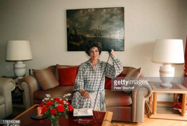 Sonja Ziemann Lugano/SchweizFerienwohnung Homestory Telefon