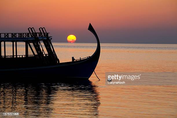 Sonnenuntergang mit Ausflugs-Dhoni
