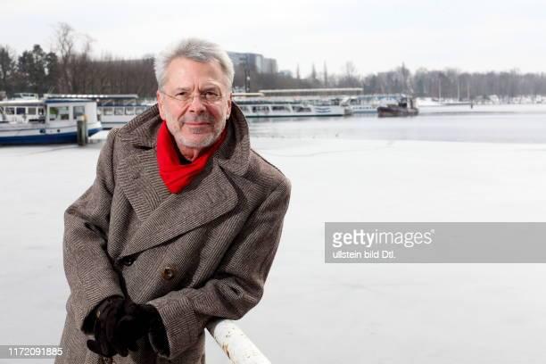 Sonntagsspaziergang mit Reinhard Friedrich Michael Mey deutscher Musiker und Liedermacher Pseudonyme sind Frédérik Mey Alfons Yondraschek und Rainer...