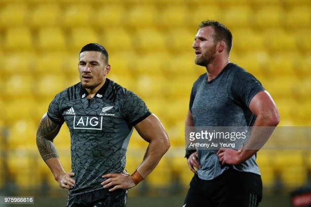 Sonny Bill Williams and Kieran Read of the All Blacks train before the International Test match between the New Zealand All Blacks and France at...