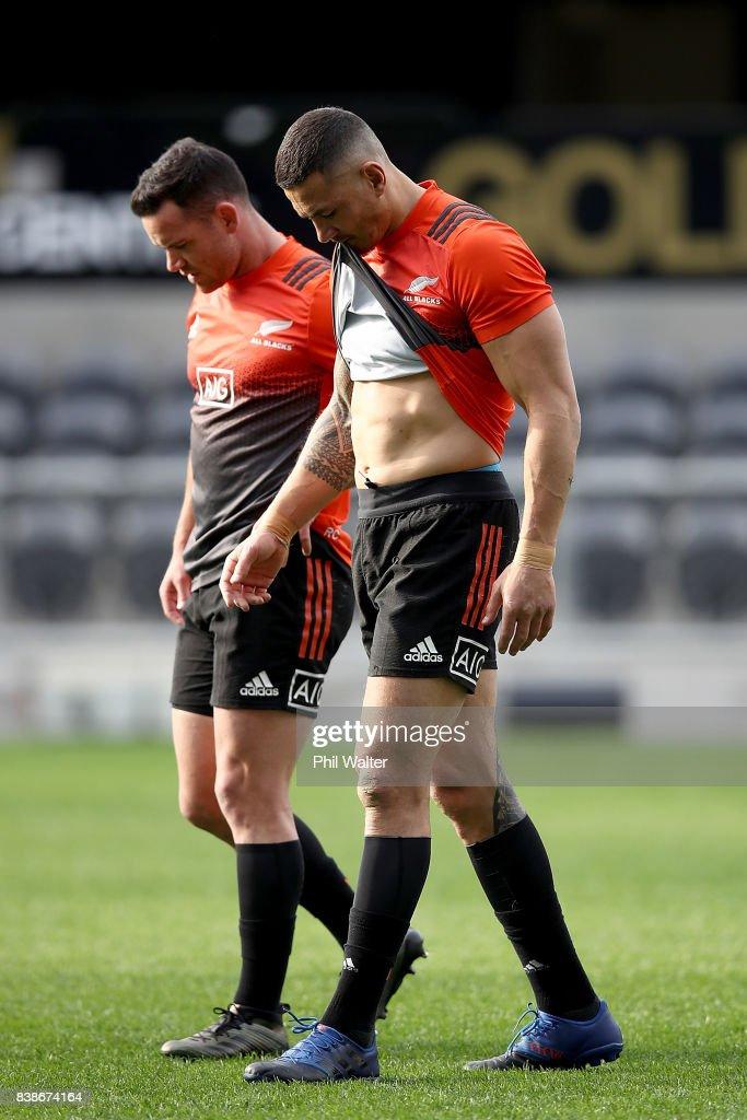 New Zealand All Blacks Captain's Run : News Photo