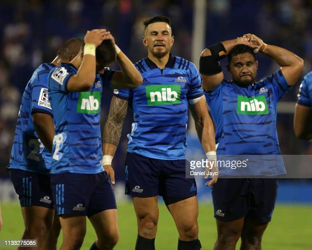 Sonny Bill Williams of Blues and teammates react after their defeat during a a Super Rugby Rd 3 match between Jaguares and Blues at Jose Amalfitani...
