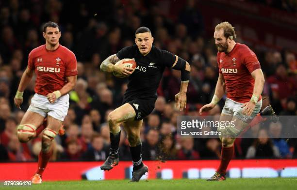 Sonny Bill Williams of New Zealand breaks during the International match between Wales and New Zealand at Principality Stadium on November 25 2017 in...