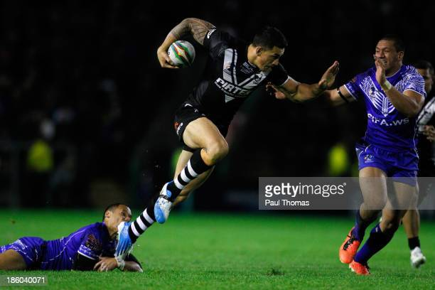 Sonny Bill Williams of New Zealand in action during the Rugby League World Cup Group B match between New Zealand and Samoa at the Halliwell Jones...