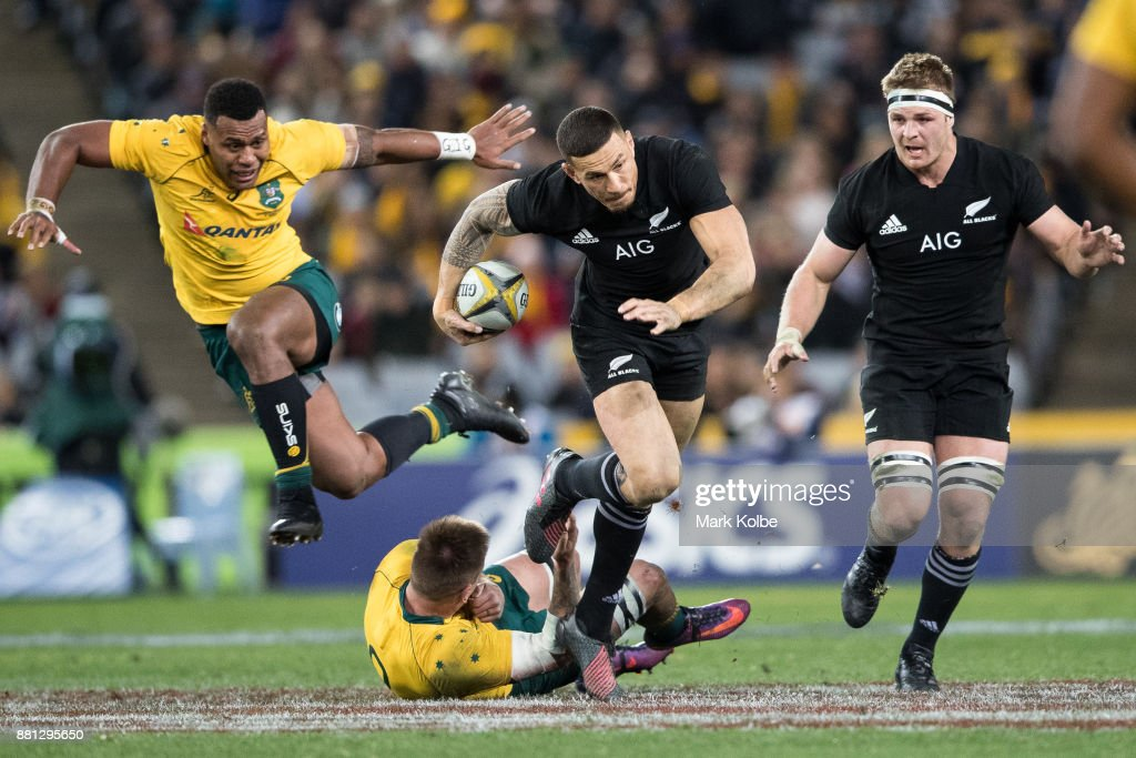 Sonny Bill Williams of the All Blacks makes a break during The Rugby Championship Bledisloe Cup match between the Australian Wallabies and the New Zealand All Blacks at ANZ Stadium on August 19, 2017 in Sydney, Australia.