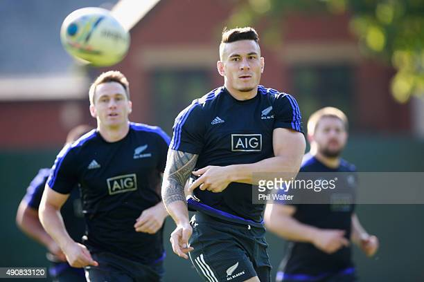 Sonny Bill Williams of the All Blacks passes during a New Zealand All Blacks Captain's Run at Sophia Gardens on October 1, 2015 in Cardiff, United...
